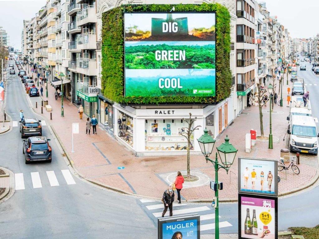 Green Wall Dig Green Cool